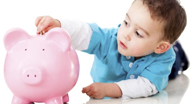 Dan clases a niños sobre el ahorro para el retiro