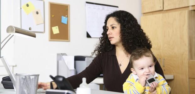 De cada 10 mujeres que laboran o buscan empleo, 7 son mamás