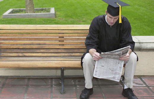 De la universidad a las listas del desempleo