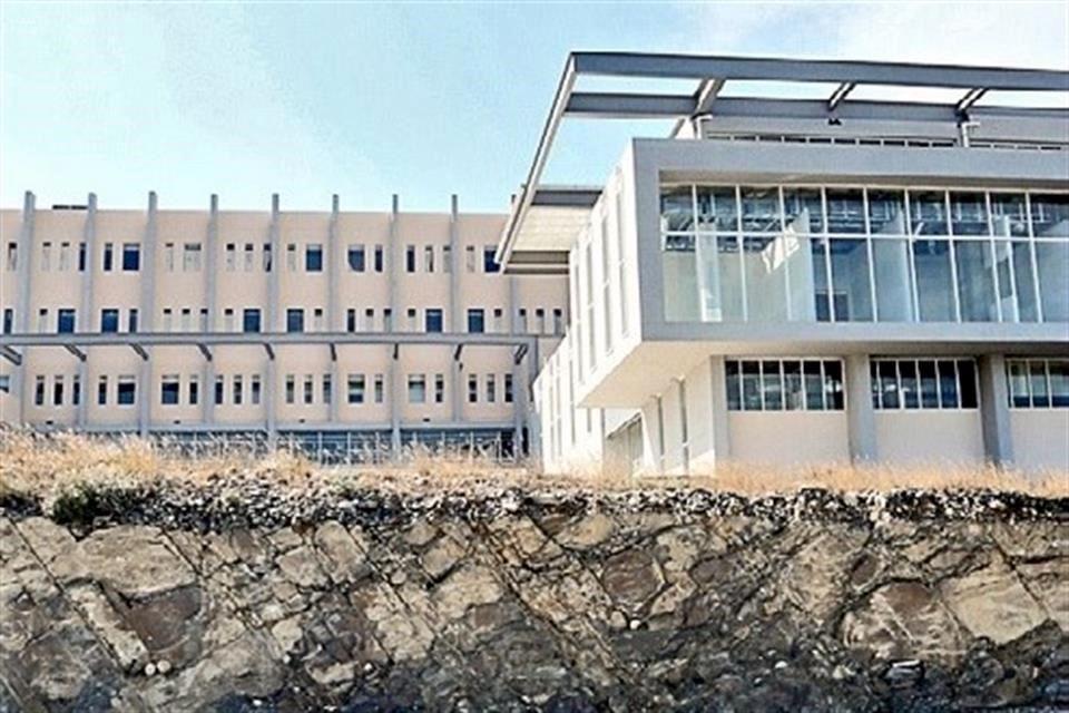 Dejan en Edomex hospitales tirados