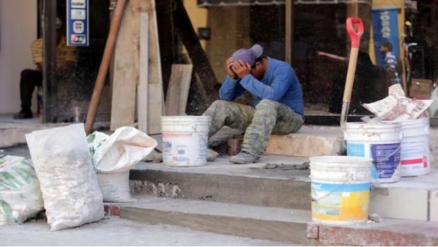 Denuncian mercado laboral precario en México