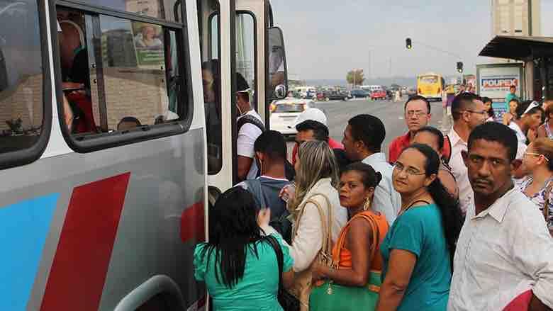 Descarrila pandemia a clase media en América Latina: WSJ