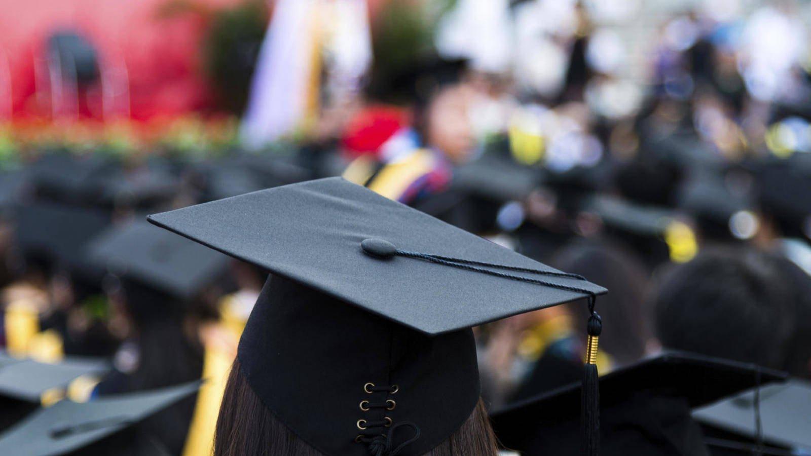 Descartan alto salario por mayores estudios