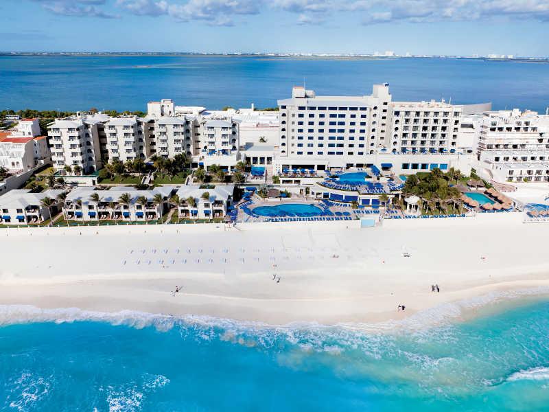 Descartan contratación masiva de caribeños en Cancún