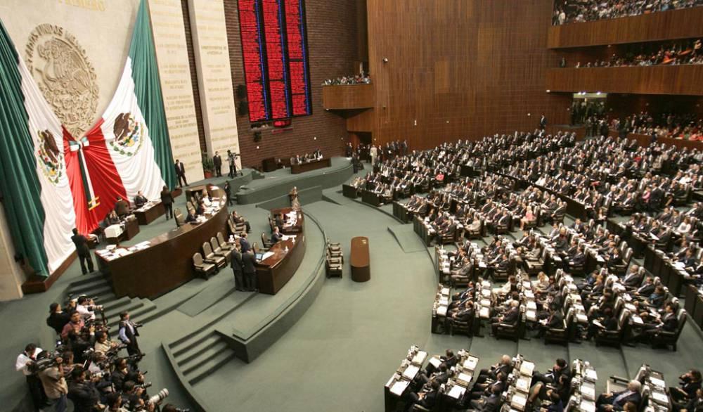 Destaca México por legisladores caros