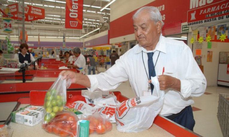 Destacan oportunidad laboral en adultos mayores