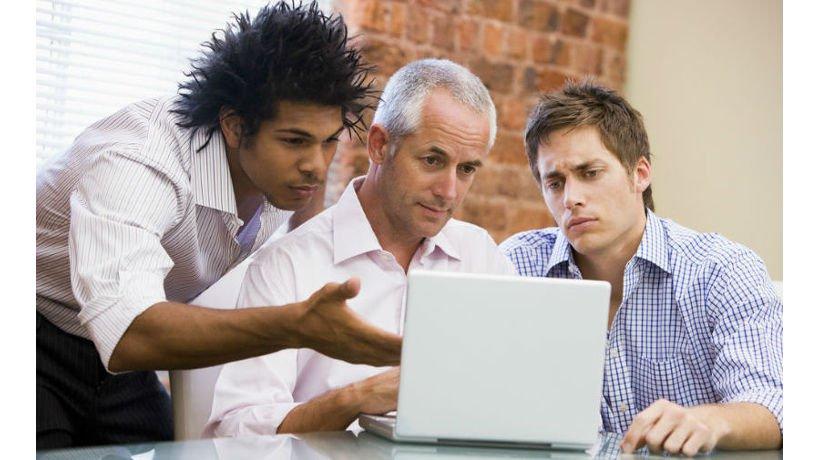 Diferencias generacionales impactan en oficina
