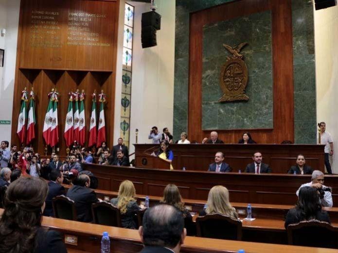 Diputados de Sinaloa se recortan el sueldo y otras prestaciones