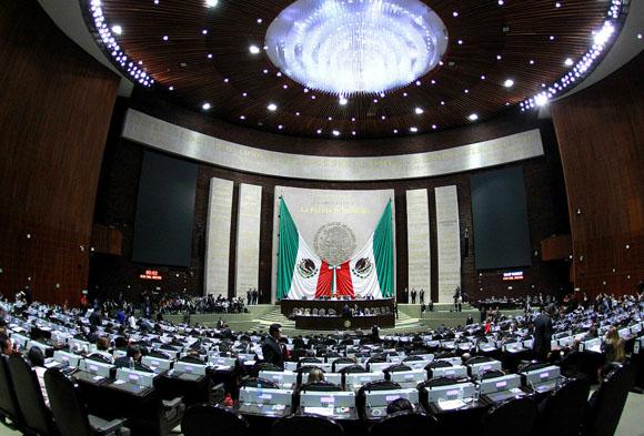 Diputados pretenden aprobar el próximo martes reformas al outsourcing