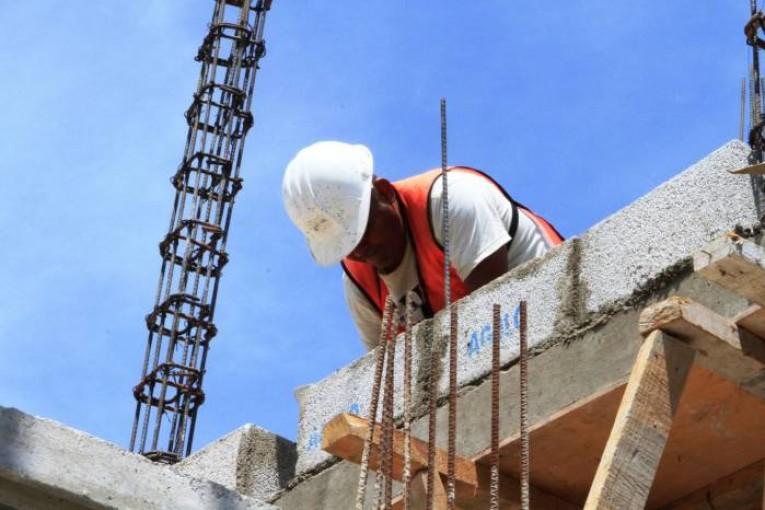Disminuyen accidentes laborales no fatales en México: STPS