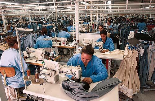 Disminuyen empleos mejor remunerados y crecen los de bajos ingresos: