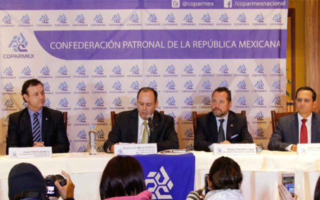 """""""Doblan"""" a la Coparmex y firma Acuerdo con EPN"""