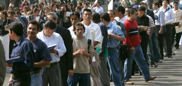 """Doblega"" desempleo a 1.7 millones en AL en 2015"