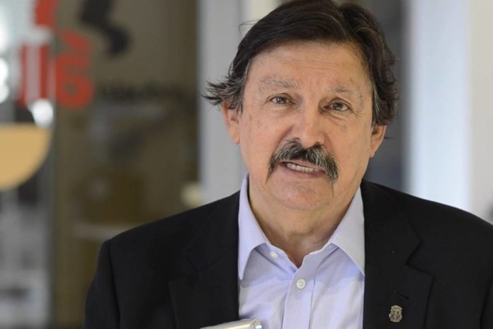 Dudas sobre el capítulo laboral del TLC: Gómez Urrutia