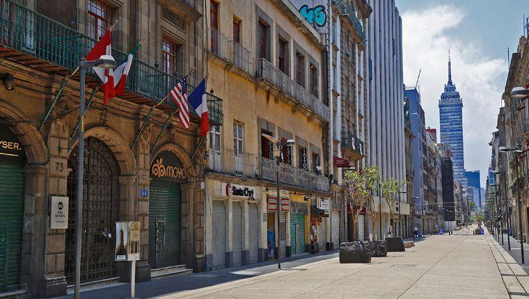 """Economía mexicana, con tendencia a """"severa crisis"""" si no se emprende programa económico emergente: Suárez Dávila"""