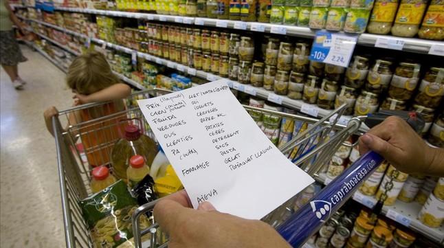El minisalario no cubre alimentos y movilidad