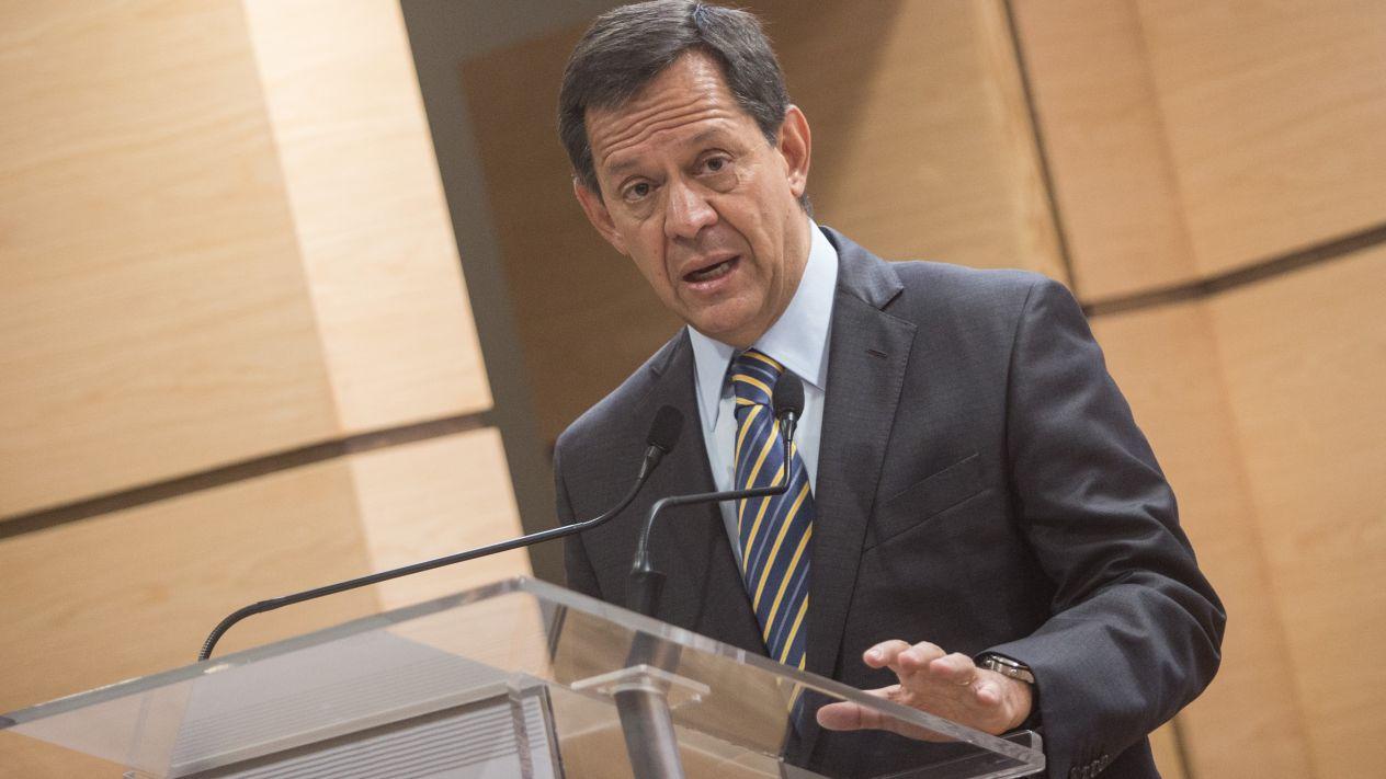 El salario mínimo será de 100 pesos en 2019: Roberto Campa Cifrián