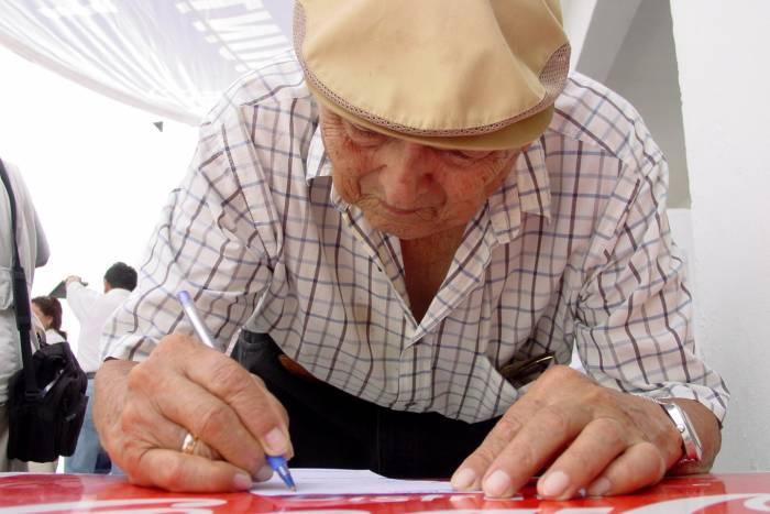 El sistema de pensiones debe garantizar un ingreso mínimo