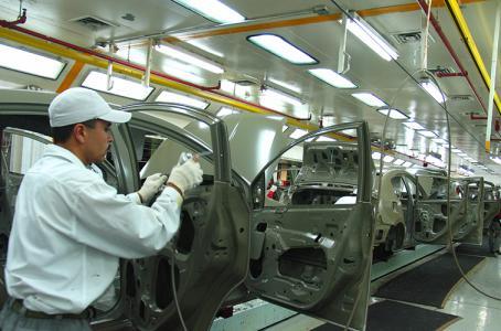 Eliminar TLCAN costaría a EU 50 mil empleos en autopartes