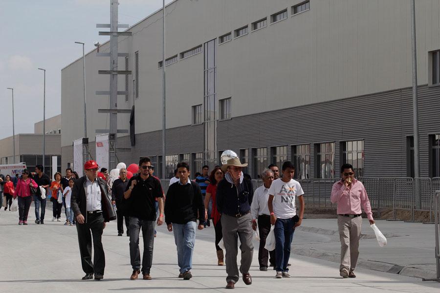Empleados de proveedores de Audi bloquean planta por falta de pago