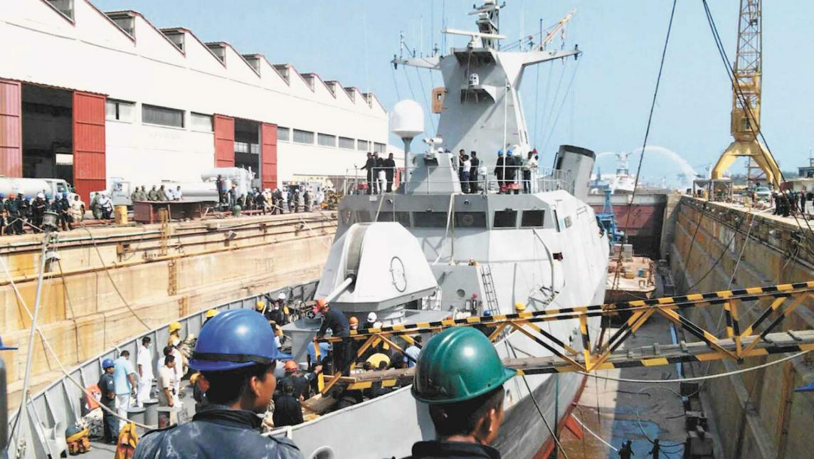 Empleados subcontratados del astillero de Salina Cruz denuncian abusos