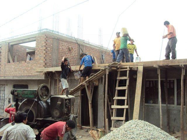 Emplean pero informal construcción y turismo