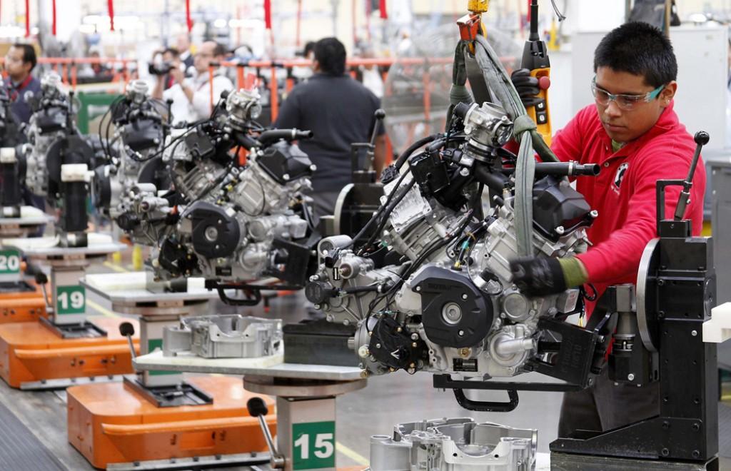 Empleo en las manufacturas se desaceleró en 2018: Inegi