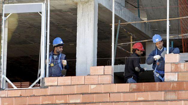 Empleo en México, abajo del promedio de la OCDE