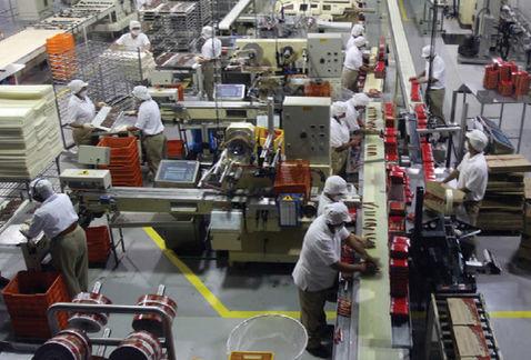Empleo manufacturero crece 2.9% anual al cierre de 2017