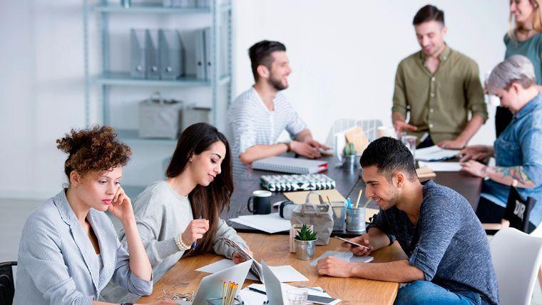 Empleos de tiempo completo atraen cada vez menos a jóvenes