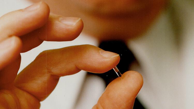 Empresa de EU probará implante de chips en sus empleados
