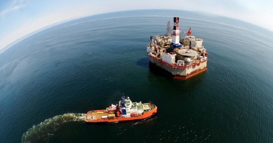 Empresas petroleras estiman firmar acuerdo laboral en enero