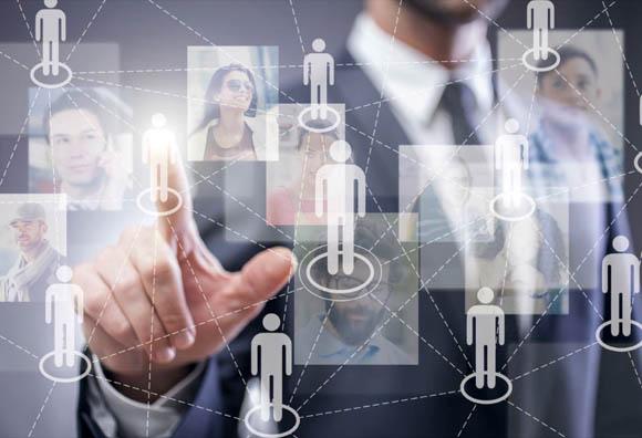 Empresas reclutan vía medios digitales por culpa del virus