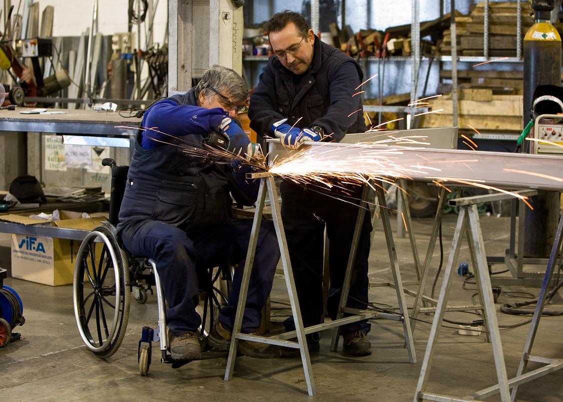 En pobreza, 54% de las personas con discapacidad