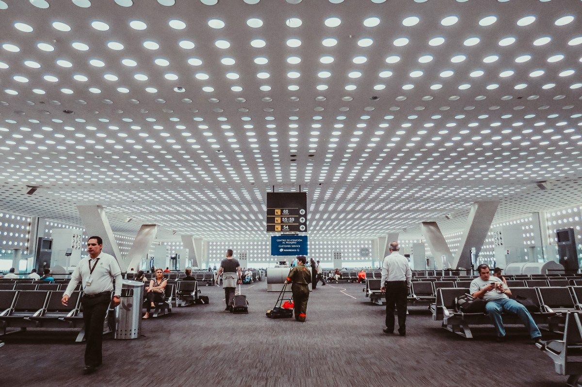 En riesgo 70 mil empleos si cierran el Aeropuerto de la Ciudad de México: Sheinbaum