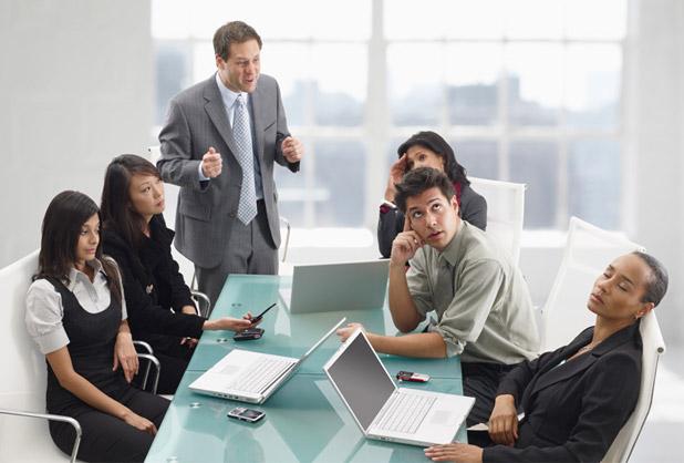 Entorno laboral negativo genera baja productividad y ausentismo