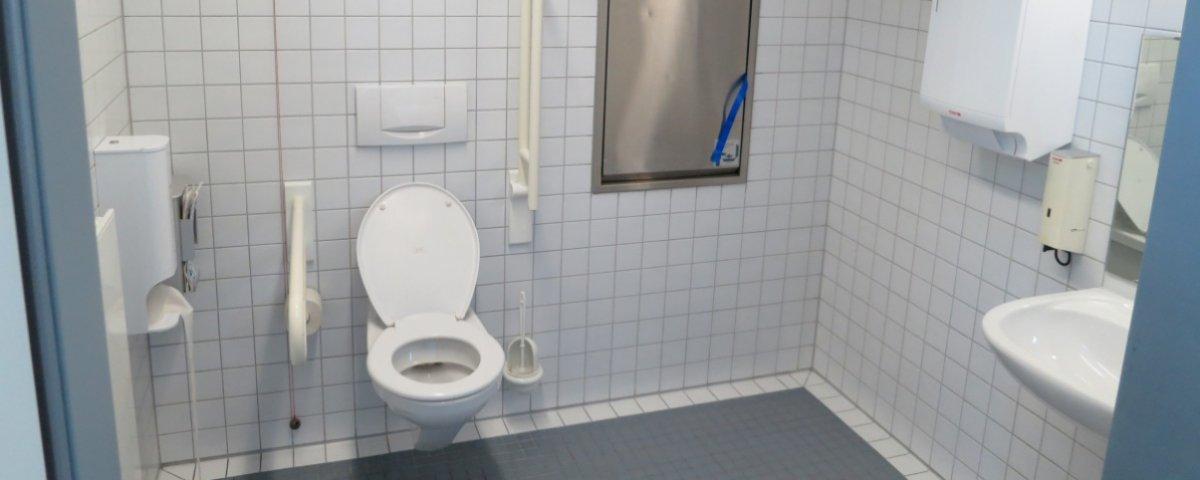 ¿Es posible contraer enfermedades al utilizar un baño público?