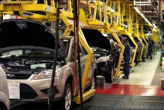 Es salario automotor en México 83% menor
