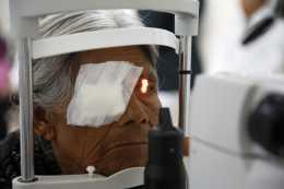 Especialistas del IMSS operan de cataratas a 287 pacientes