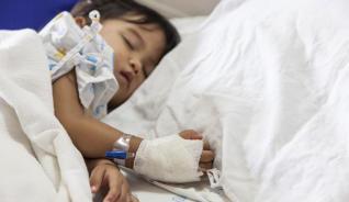 Esperan trasplante 450 niños y jóvenes