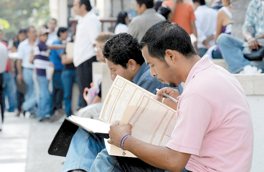 Estudian mexicanos... pero ganan menos