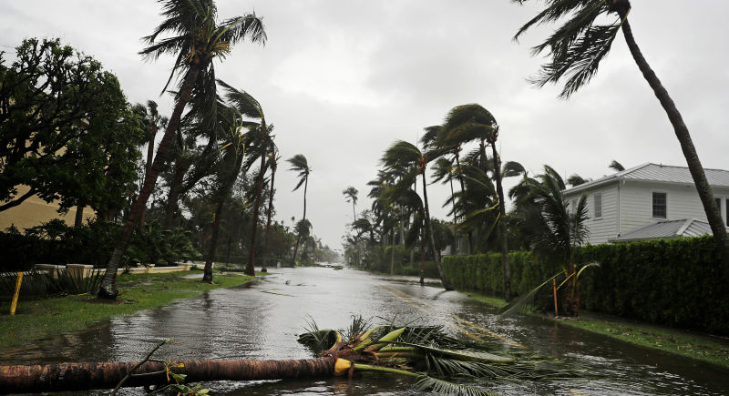 EU perdió 33,000 empleos por culpa de los huracanes