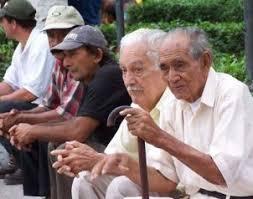 Exigen a presidenciables postura sobre pensiones en México