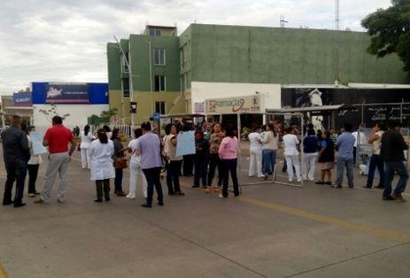 Exigen médicos 123 mdp para atender en Oaxaca