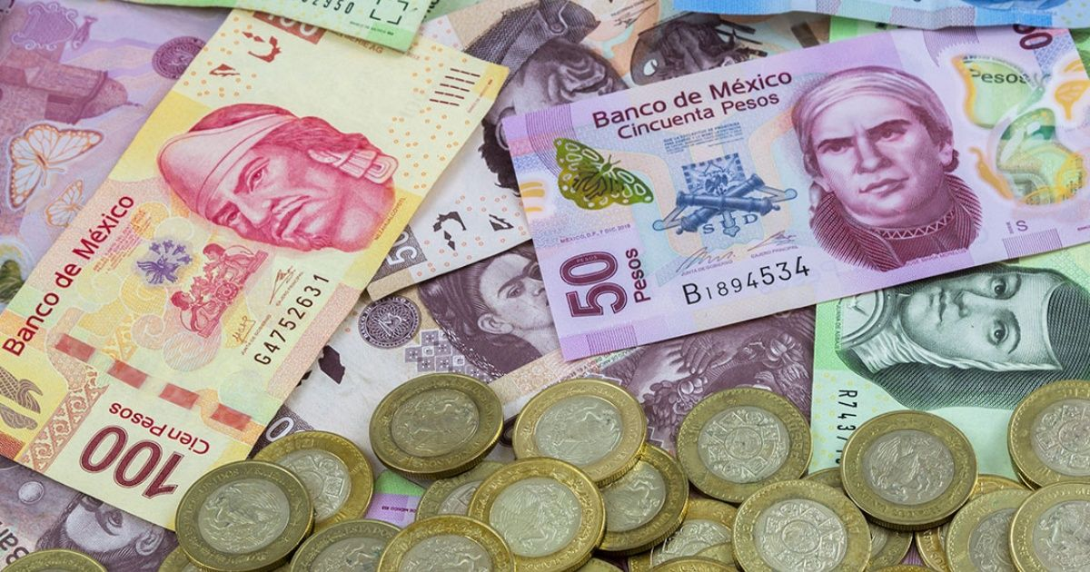 Expertos muestran mayor optimismo sobre el peso en 2019: encuesta Banxico