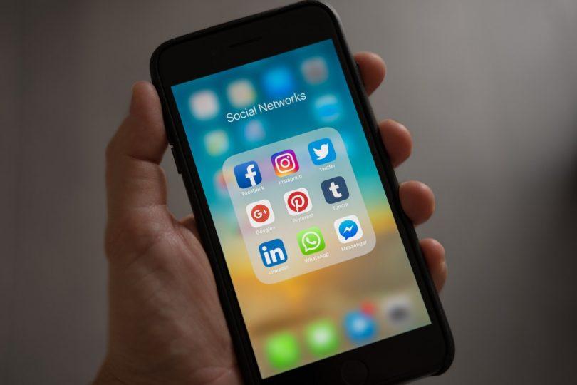 Facebook y Twitter te pueden ayudar a obtener un mejor empleo