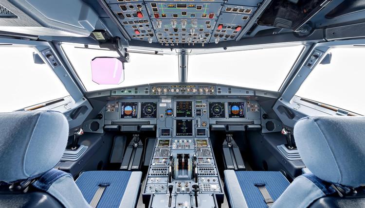 Faltan pilotos para expansión de aerolíneas