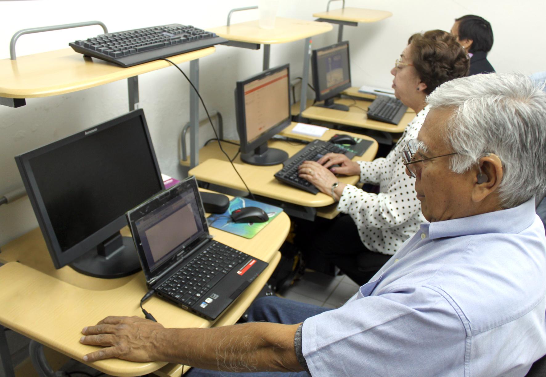 Feria de empleo para adultos mayores en GTO