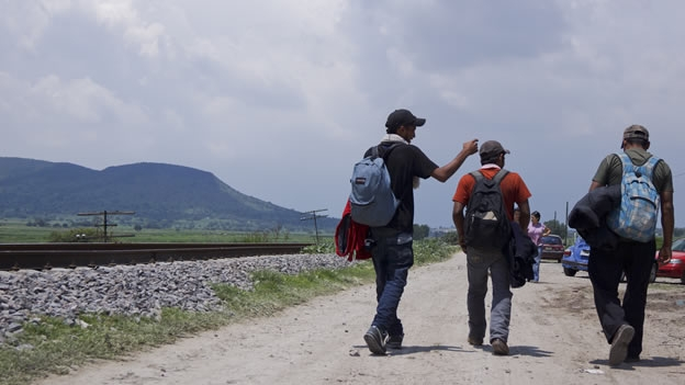 Firman convenio para apoyar a migrantes jornaleros agrícolas