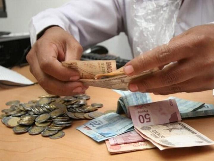 Funcionarios resienten la Ley de Remuneraciones